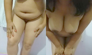 Desi bhabhi Showing off Nude with audio