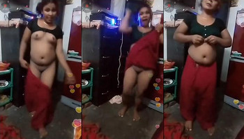 Desi girl naked dance home