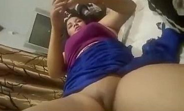 Desi Nepali bhabhi Anusa pussy fingering by client