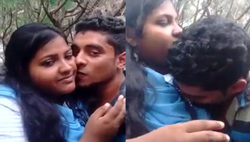desi lovers kissing outdoor