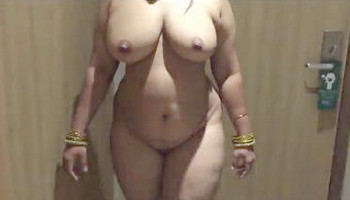 Desi Nude Bhabhi Showing off Her Big Boobs Ass
