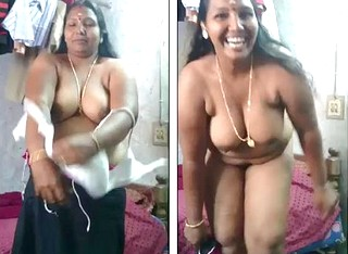 mallu aunty stripping in front of lover