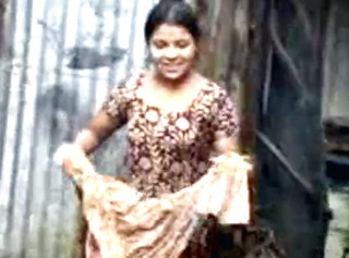 Indian girl dress change caught nude