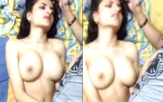 Amateur Paki wife being fingered by her ex BF