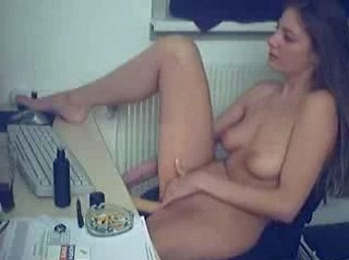 Horny girl masterbates and fucked homemade vdo
