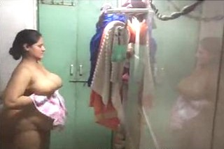 desi aunty nude in bathroom milky boobs hidden capture by neighbour