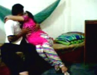 Cheating Desi Bhabhi on Cam