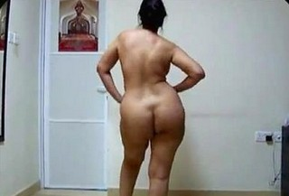 Desi aunty big ass shake