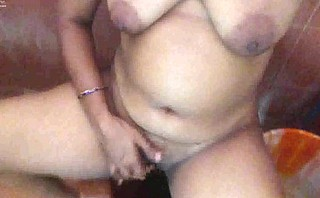 Tamil akka squirting while masturbating