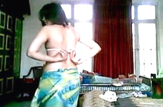 Hot Jamila Ali from Faisalabad strips herself naked