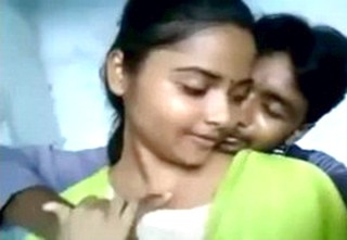 Hot Desi College Girl Kissing With Lover
