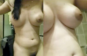 Indian Desi Gf Boobs and Pussy Selfie