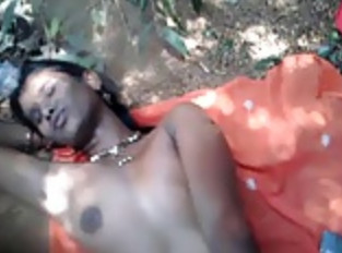 Young Village Girl Fucked in Jungle