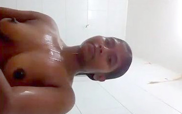 Indian babe bath video