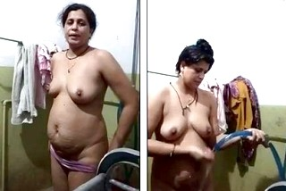 Desi bhabhi selfshot nude bath video