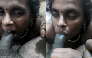 Tamil aunty blowjob gagging lund