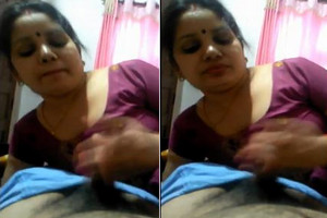 Hot Indian  aunty blowjob
