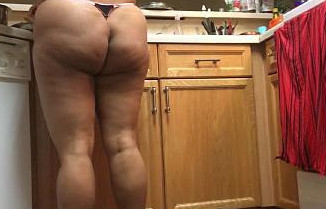 Indian Bhabhi huge ass capture when she working in kitchen 720p
