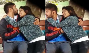 Desi Lovers Romance & Blowjob in Park
