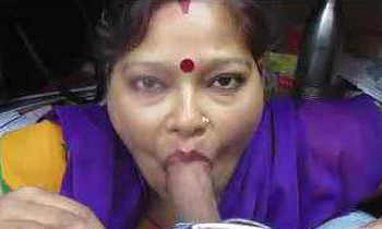Achaa karthi Good baby Yes customer says randi aunty blowjob and deepthroat