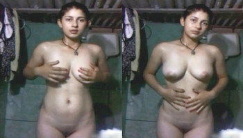 Cute Indian Girl Captures Her Hot Assets