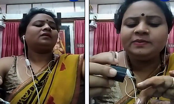 Indian aunty video chat with lover