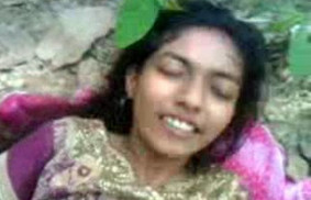 Super Hot Indian Babe MMS Leaked Outdoor wid Audio