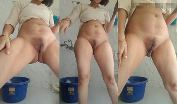 exiest Indian Lady Standing Pissing