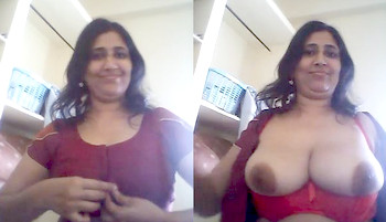 Indian bhabhi showing her big round milky boobs part 5
