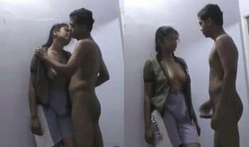 Tamil bhabhi enjoying with her lover