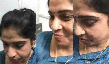 South Indian bhabhi getting fingered in office