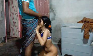 Desi bhabhi sucking cock