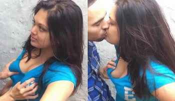Super Hot Indian Lovers Kissing n boobs press Selfie