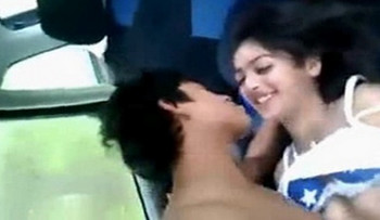 Hot Indian Girlfriend wid Lover in Car MMS Leaked wid Dirty Audio