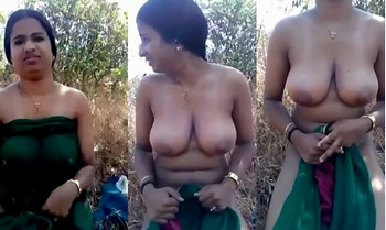 Desi Aunty outdoor