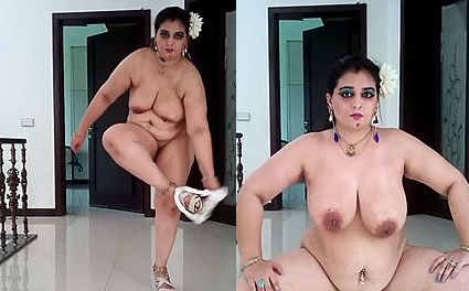desi queen naked show