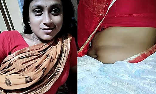 cute aunty selfie with sexy navel