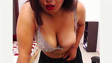 bhabhi showing everything to seduce you in front of cam