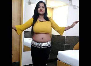 hot bubbly girl akshaya saggy navel belly dance