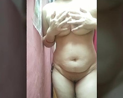 She's Back but Alone! Vini bhabi wants her ass get fucked.