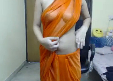 Desi Girl in transparent saree
