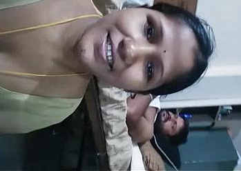 hot housewife bhabhi milky cleavage show homemade