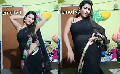 bigo priyanka seduce too much show navel armpit transparent saree dance