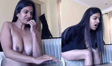 indian mature lady hot show with horny expressions