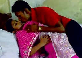 bengali couple smooch kissing and boob press and sucking with bengali audio