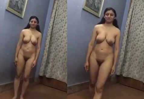 indian desi girlfriend shows juicy big boobs and full nude body