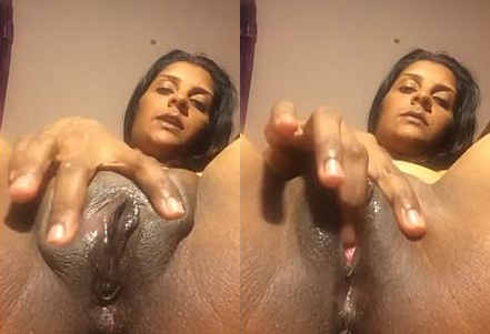 Horny Nri Aunty Fingering Her Juicy Pussy with Loud Moanas