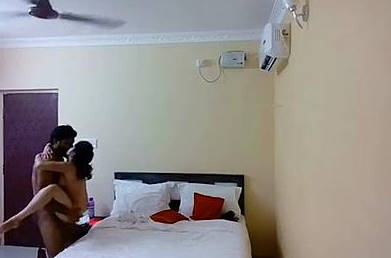Desi young couple fucking in hotel room