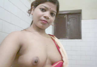 Desi village bhabi fing her pussy n ass