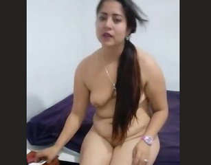 Desi village bhabi sosi show her boobs n ass